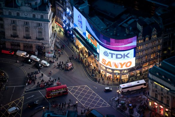 piccadilly-circus_1607319i.jpg